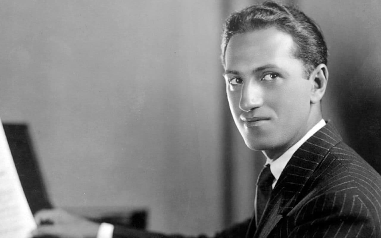 https://www.elcohetealaluna.com/wp-content/uploads/2020/01/George-Gershwin.jpg