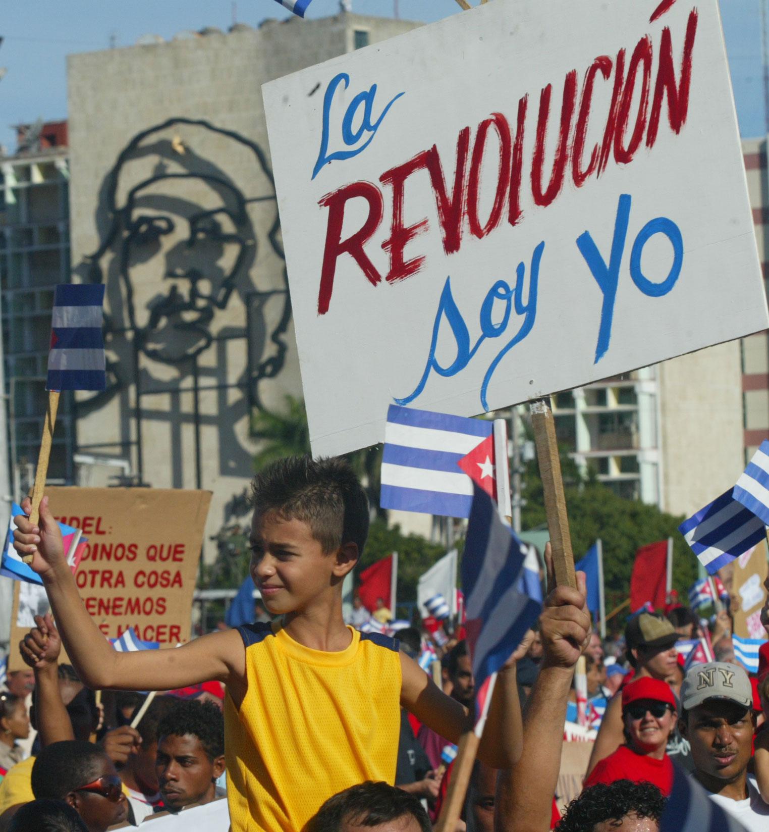 https://www.elcohetealaluna.com/wp-content/uploads/2021/07/Cuba-resiste.jpg